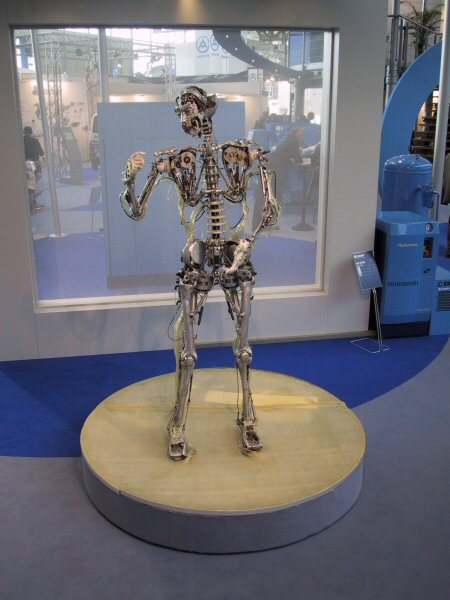 Chico MacMurtrie, Skeletal Reflections, 2003