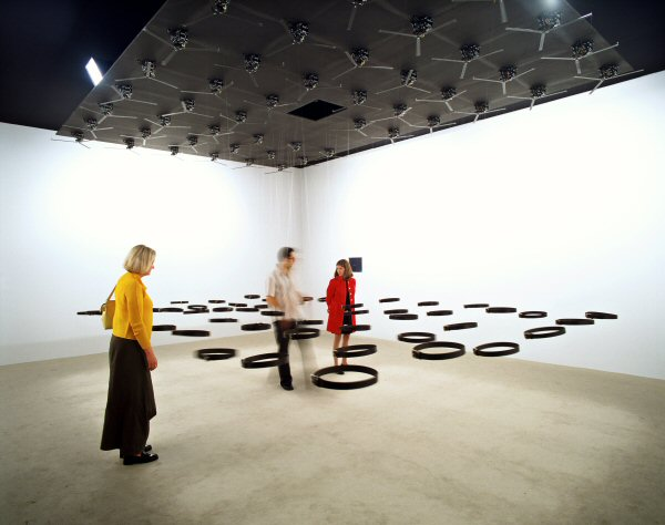 Rafael Lozano-Hemmer, Standards and Double Standards (2004)