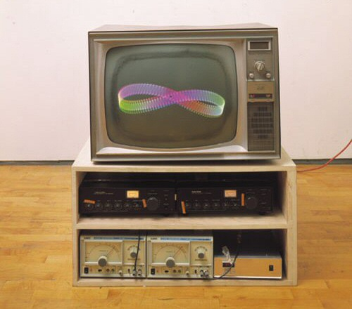 Nam June Paik, TV Crown (1965)